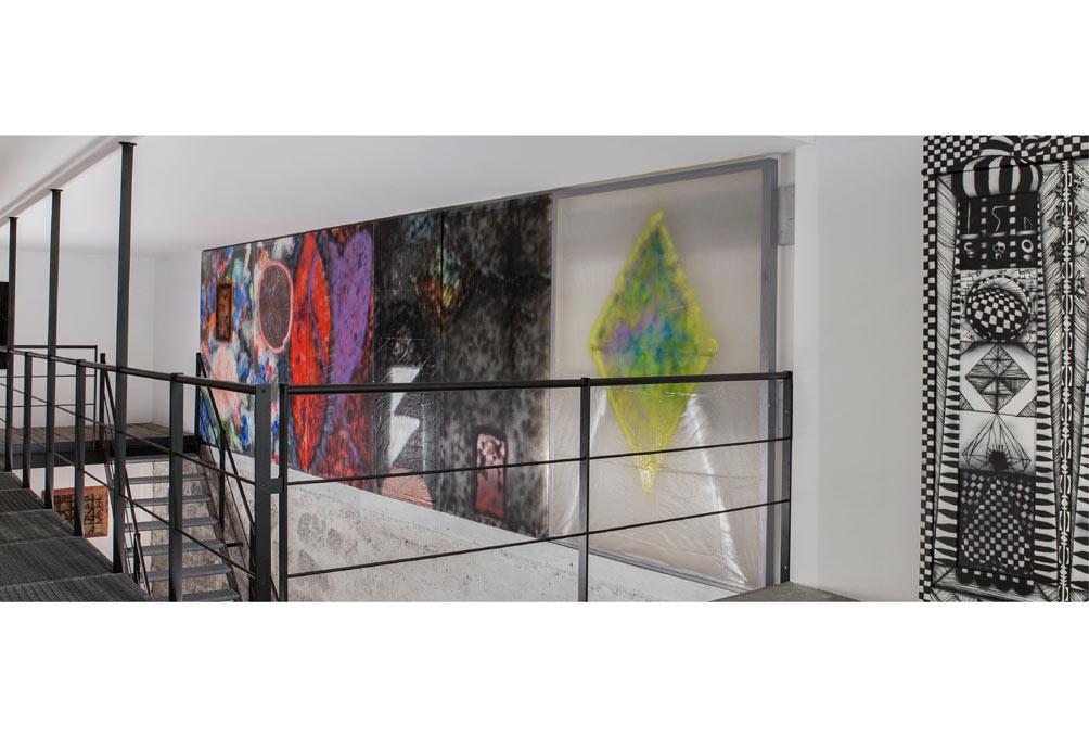 Stefan Inauen o.T. 2014 Mixed Media auf Kunststoff, auf Holzrahmen 6teilig B 810cm, H 215cm
